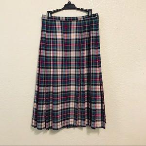 Vintage Pendleton wool plaid skirt pleated USA